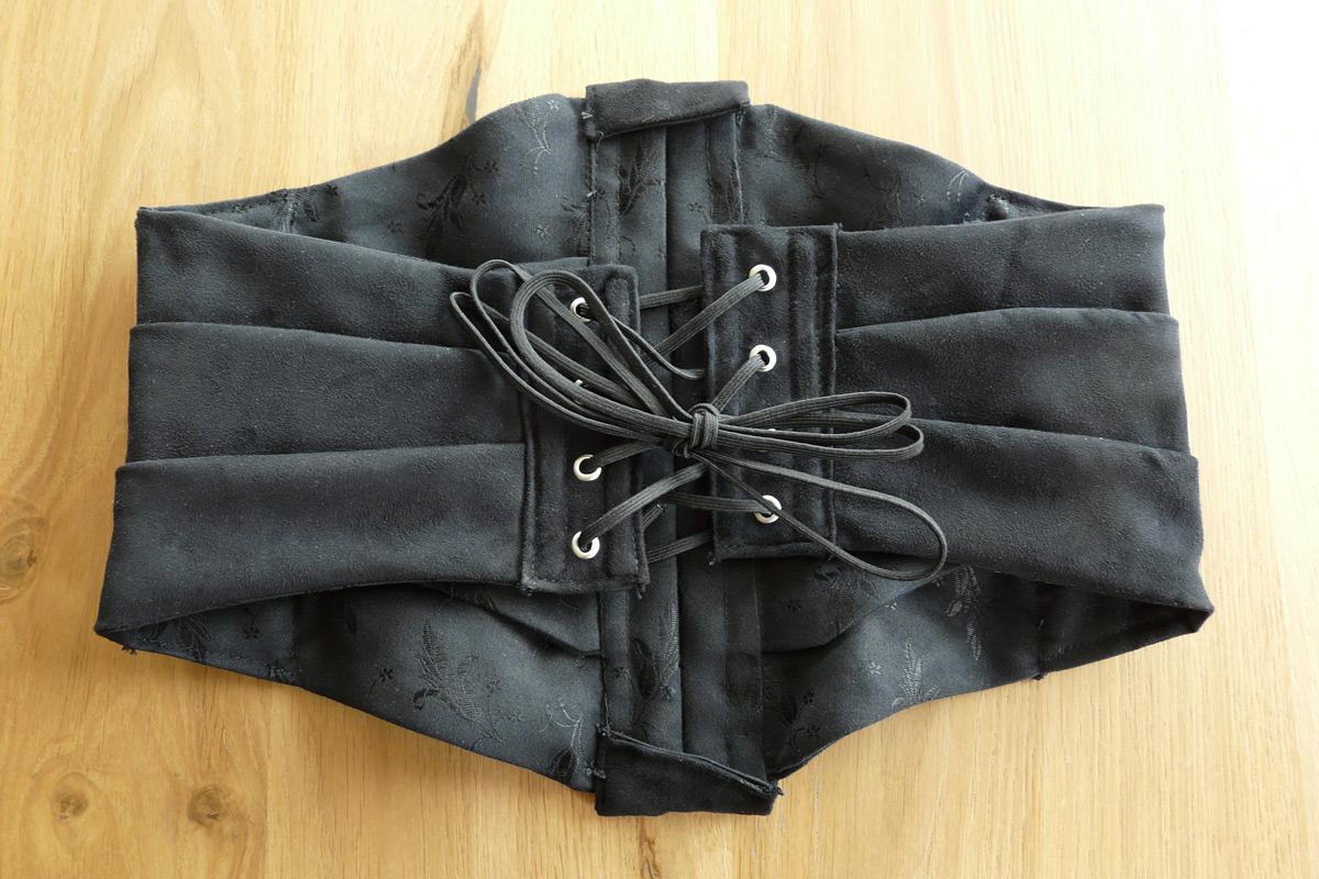 black-ribbon-corset_back