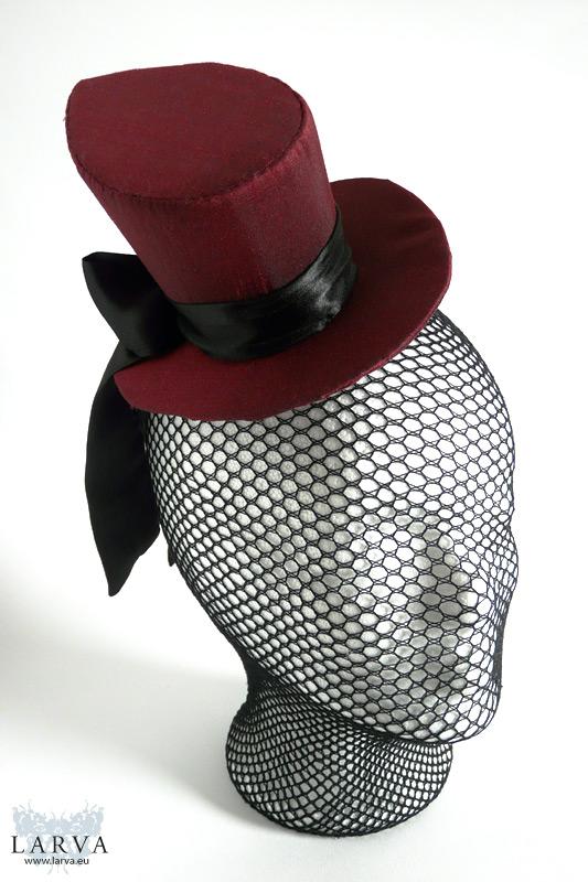 [:de]Roter asymmetrischer Zylinder[:en]Red asymmetric top hat