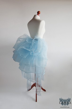 [:de]Blaue Tournüre[:en]Blue bustle