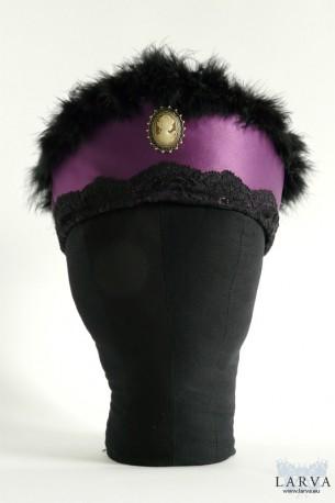 [:de]Violetter Kokoshnik[:en]Purple kokoshnik