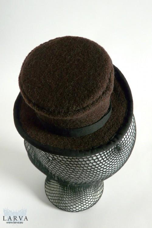 [:de]Brauner Mini-Zylinder[:en]Brown mini top hat
