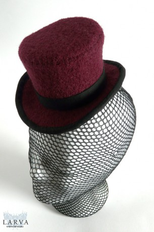 [:de]Roter Mini-Zylinder[:en]Red mini top hat